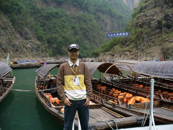 Tonglu County, China: Jason ,a tour guide from wushan