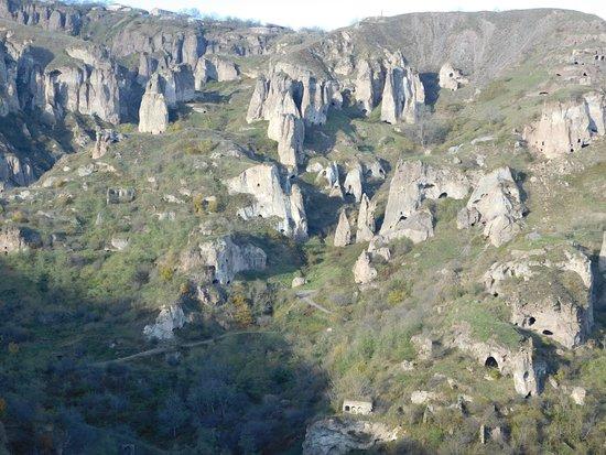 Syunik Province, Armenia: пещеры в скалах