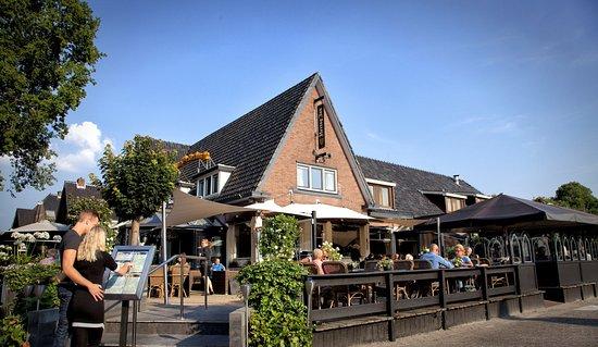 Westerbork, Países Bajos: Abdij de Westerburcht entree