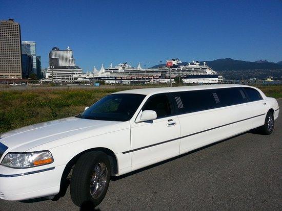 Abbotsford, Canada: East West Limousine Service Ltd.