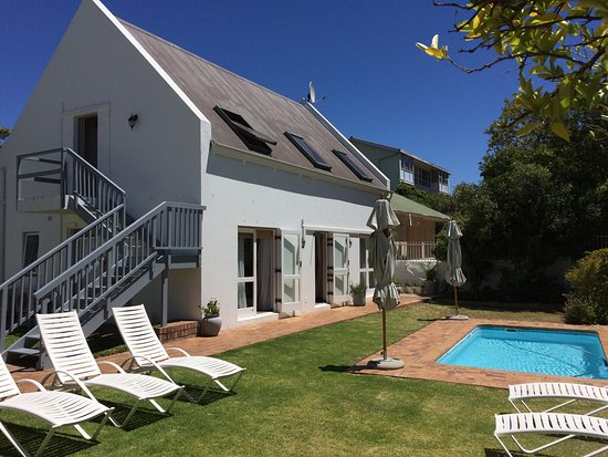Gartenhaus Und Pool Picture Of Avenues Guest Lodge Stellenbosch