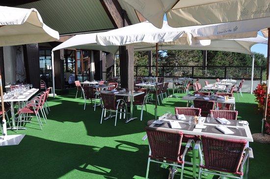Restaurant ext rieur photo de restaurant des lacs golf for Exterieur restaurant