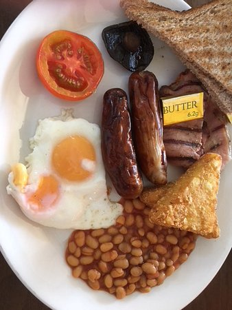 Donnington, UK: Compare them, dried up sausages mini Mushroom shoe leather bacon, what happened to the egg ?