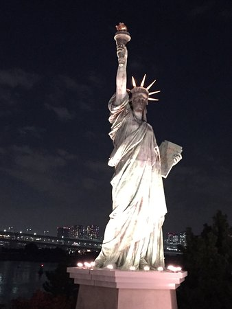 received_1213854828661082_large.jpg - Picture of Statue of Liberty, Minato - ...