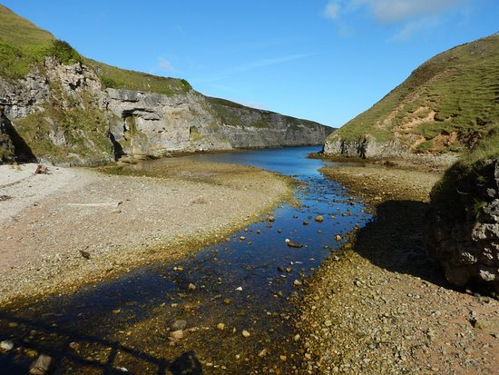 Smoo Cave: Outside the cave is the Allt Smoo.  Allt is Gaelic for stream.