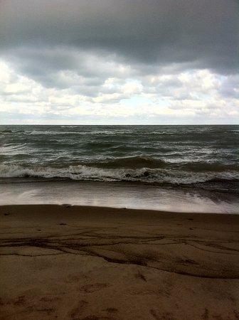 Chesterton, IN: Gray water and skies