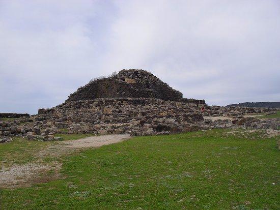 Restaurante La Vaca Paca: Su Nuraxi de Barumini, Unesco heritage in Sardinia