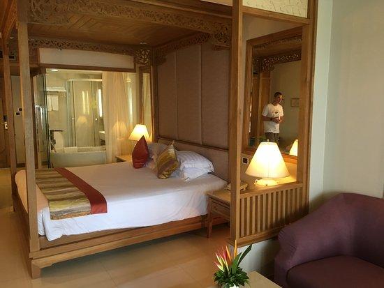 Royal Cliff Beach Terrace Honeymoon Suite