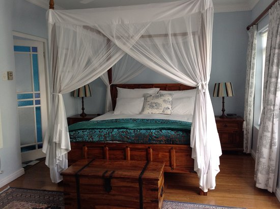 Beach House B&B: This is the ground floor room.