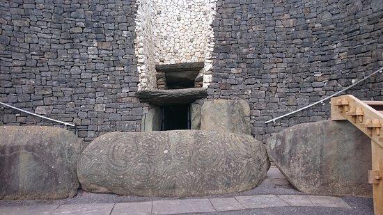 Donore, Irlanda: Newgrange