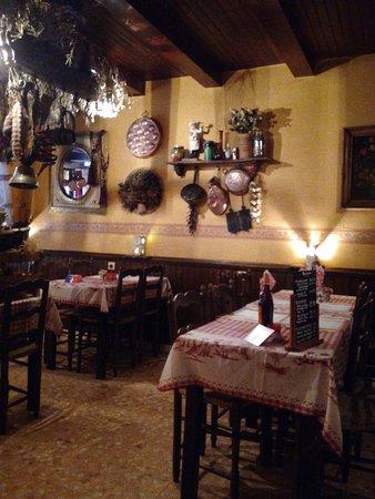 Restaurant le brasero dans martigues avec cuisine for Restaurant le miroir martigues