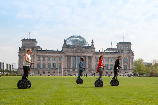 ‪Segway Tour Berlin‬