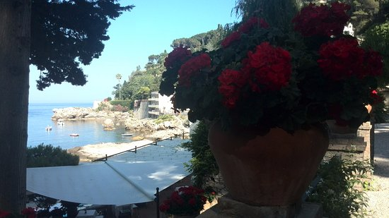 Grand Hotel Mazzaro Sea Palace : A view from one of the hotel terraces