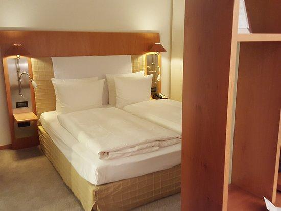 The Mandala Hotel: 20161110_174908_001_large.jpg