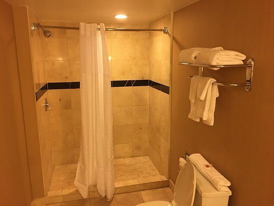Meriden, CT: Me parece un hotel muy chevere .. limpio .. la atención perfecta y gente muy amigable. Recomenda