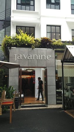 Javanine Resto