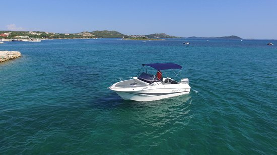 Pakostane, Croatia: Atlantic 655 225 hp Rent a Boat