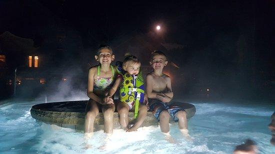 Montage Deer Valley : Night Swimming! The kids love it!