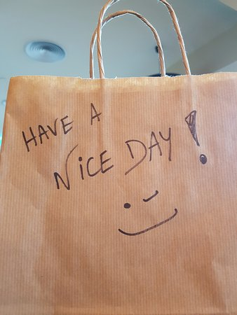 InPatio Guest House: The nice bag of breakfast on an early ride to airport