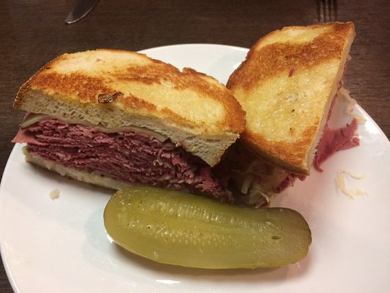 Bloomfield Hills, MI: A great Reuben