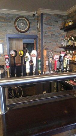 Erin, Canadá: Front Bar Draught Rail
