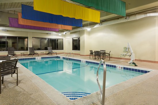 Hyatt Place Boston/Medford: Indoor Pool