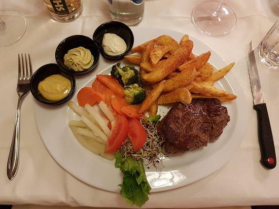 Bassersdorf, سويسرا: Gourmet Teller mit Rindsfilet