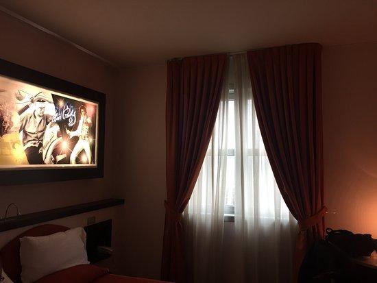 Ossona, Italien: Bagno, ingresso e camera
