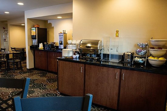 Cobblestone Hotel Suites Knoxville Ia