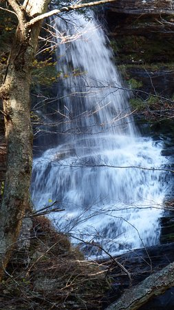 Dingmans Ferry, PA: Another beautiful waterfall.