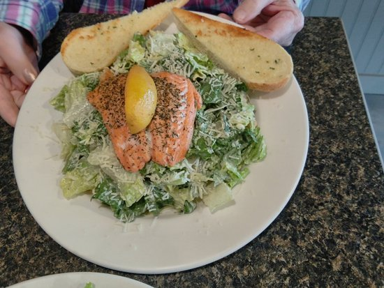 Claresholm, Canada: Caesar Salad with Grilled Salmon - so yummy