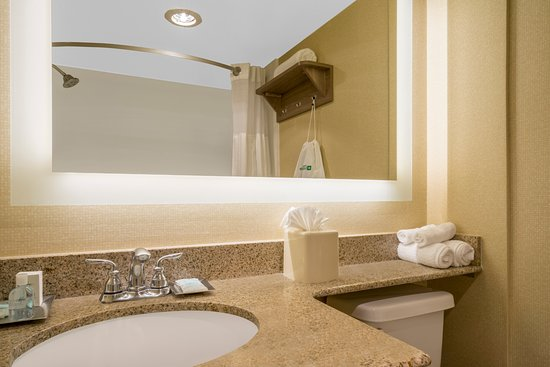 Cheverly, MD: Guest Vanity with complimentary toiletries