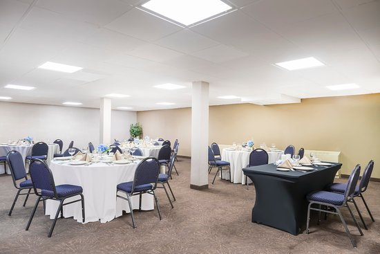 Cheverly, MD: Banquet room ideal for your next small social event