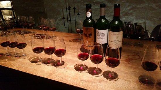 ستوكهولم, السويد: Vinprovning på Smakateljén
