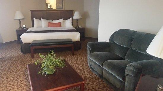 Best Western Plus Mill Creek Inn: Honeymoon Suite