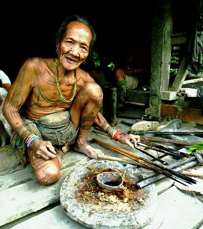 Mentawai Islands, อินโดนีเซีย: About Mentawai tribe.... So…not just any member of the tribe can do this. To make tattoos they h