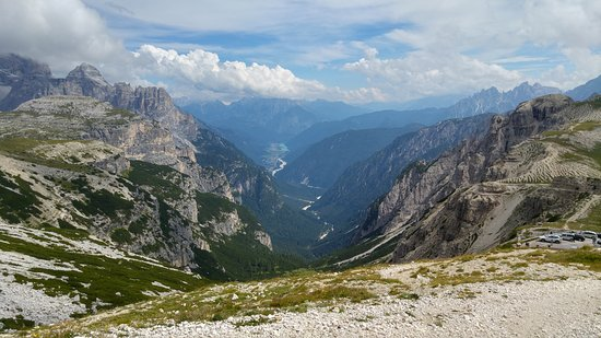 Belluno Dolomites, Italië: View Besides Dolomites