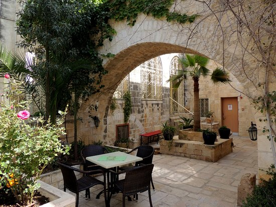 Lutheran Guest House: Inner court