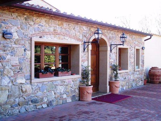 Castellina Marittima, Italia: Ingresso locale interno