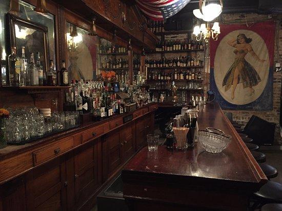 Chicago Prohibition Tours The speakeasy hidden within the Green Door bar. & The speakeasy hidden within the Green Door bar. - Picture of Chicago ...