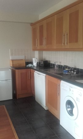 Quality Hotel & Leisure Center Youghal: Kitchen Area