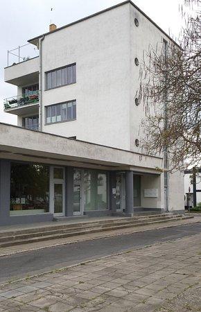 Dessau Törten Estate - Konsum building