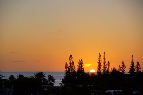 โฮเต็ลเลอลากอน: Sunset