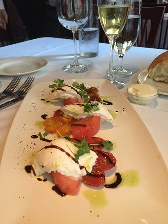 Del Frisco's Double Eagle Steak House: Burrata salad.