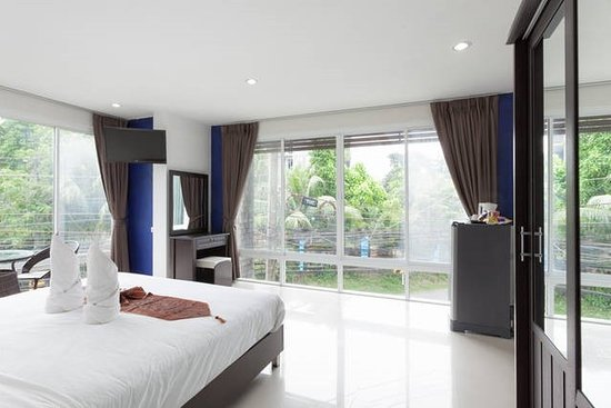 But Different Hotel Phuket : Deluxe Room