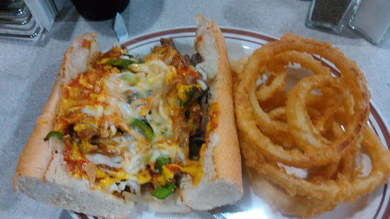 El Paso, Илинойс: Philly steak & Cheese with hand dipped onion rings