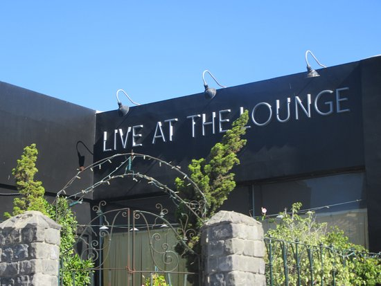 Live at the Lounge, Comedy and Magic Club, Hermosa Beach, Ca