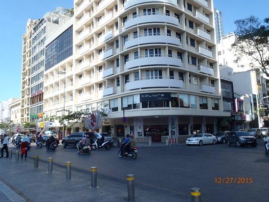 Palace Hotel Saigon: View of exterior