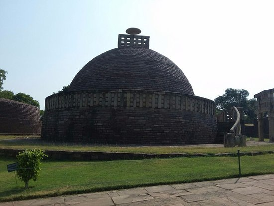 Buddhist Monuments at Sanchi : Peace at these monuments!!!