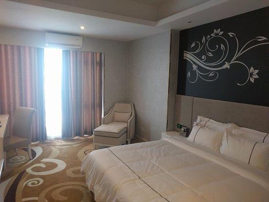 California International Hotel